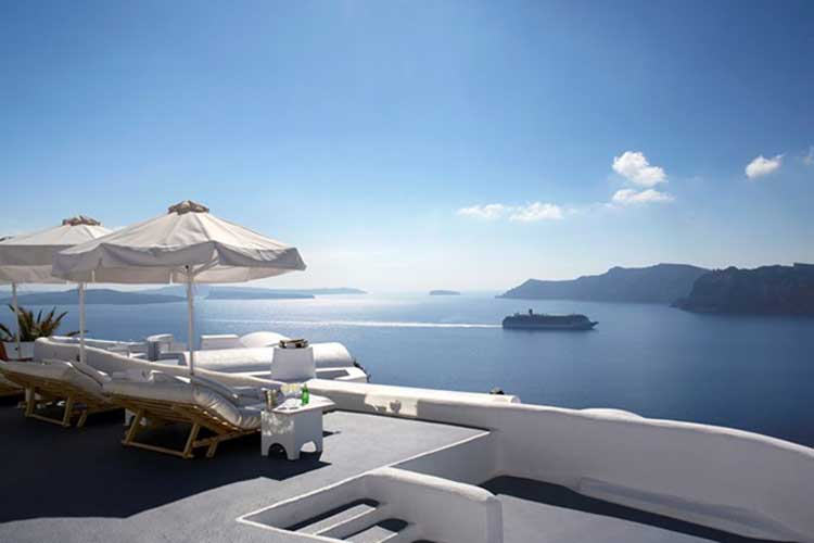 Hotel Katikies in Santorini magic blue 5 8 17 2