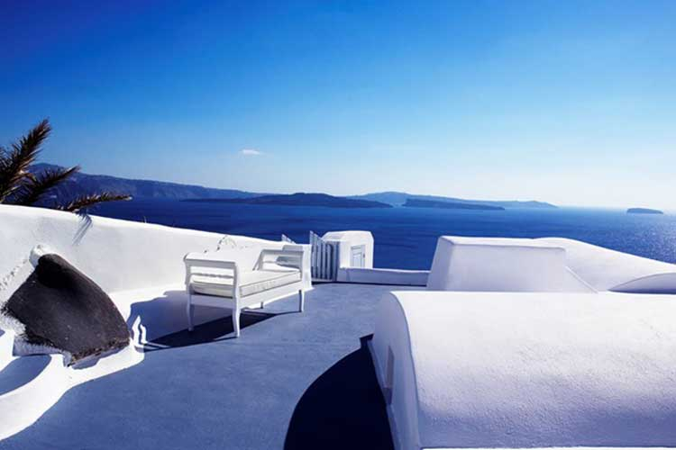 Hotel Katikies in Santorini magic blue 5 8 17 3