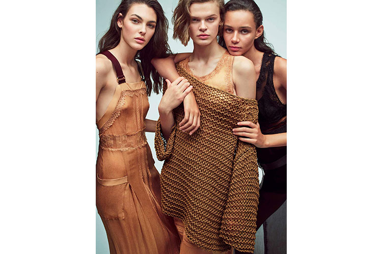 Iconic and impactful collection by Alberta Ferretti 05 01 18 4